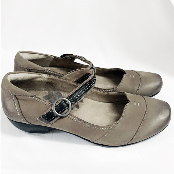 TAOS Gray Leather MaryJanes With Adjustable Strap